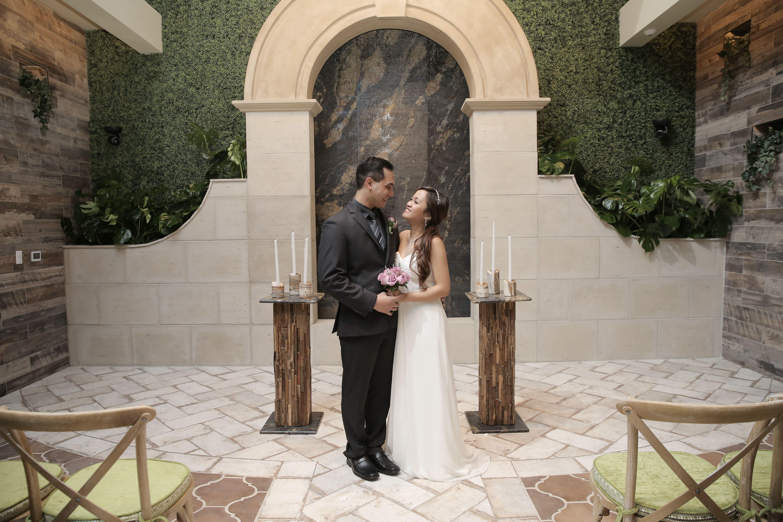 Boho Chic Wedding In Las Vegas Garden Wedding Venue Indoor Wedding Chapel Rustic Chic Wedd Chapel Wedding Romantic Garden Wedding Las Vegas Wedding Chapel
