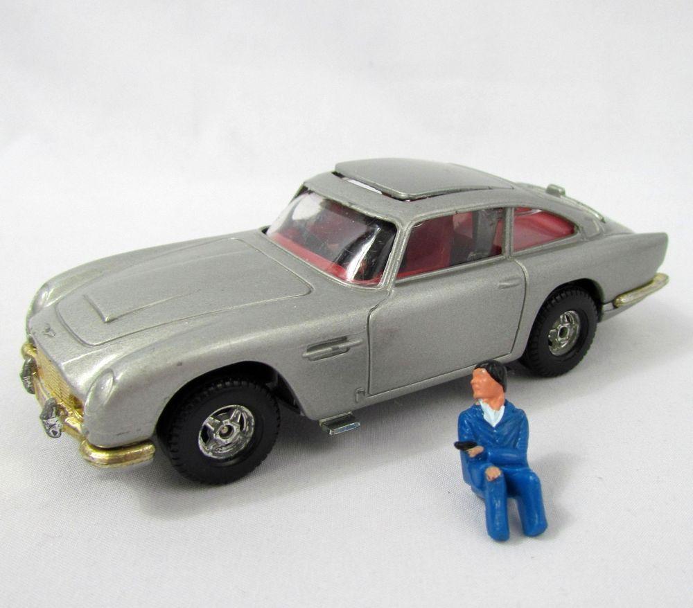 Vtg 1960\'s Corgi Toys James Bond 007 ASTON MARTIN 007 Silver Ejector ...