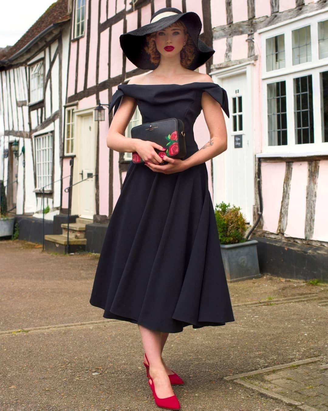 Abigail Janine Pretty Dresses The Pretty Dress Company Black Swing Dress [ 1350 x 1080 Pixel ]