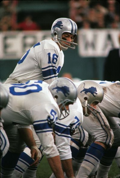 Detroit Lions Qb Milt Plum On Line Of Scrimmage Before Snap During Detroit Lions Football Nfl Football Teams Detroit Lions