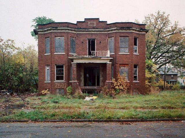 Abandoned Detroit Homes For Sale 98 Pics Abandoned Mansion For Sale Abandoned Mansions Old Abandoned Buildings