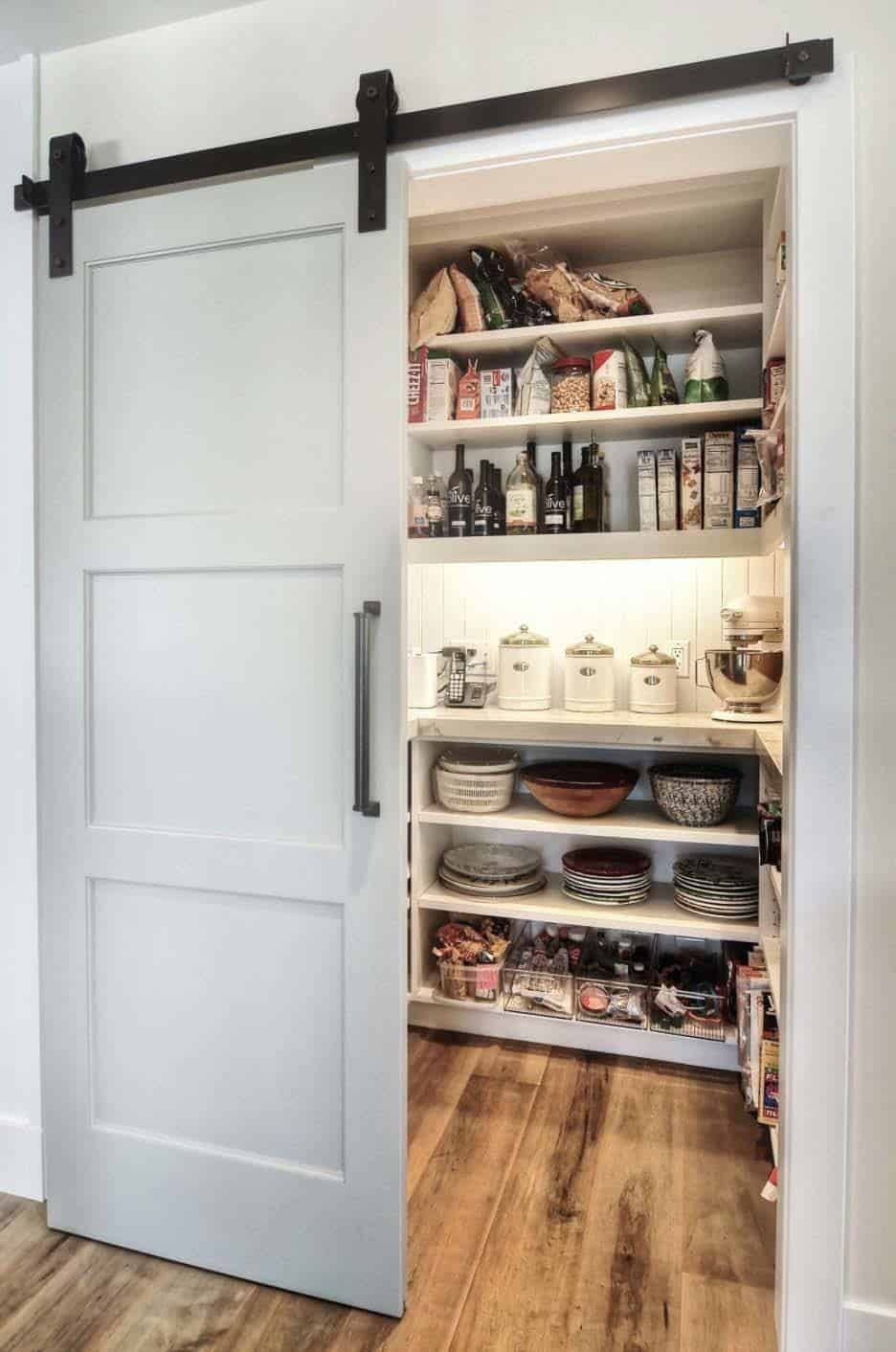 35 Clever ideas to help organize your kitchen pantry - Pantry design, Kitchen design, Kitchen remodel, Farmhouse pantry, Diy pantry, Bathroom design - When designing your kitchen pantry, its not always about aesthetics, its more about practicality and functionality, pantries help you to keep organized
