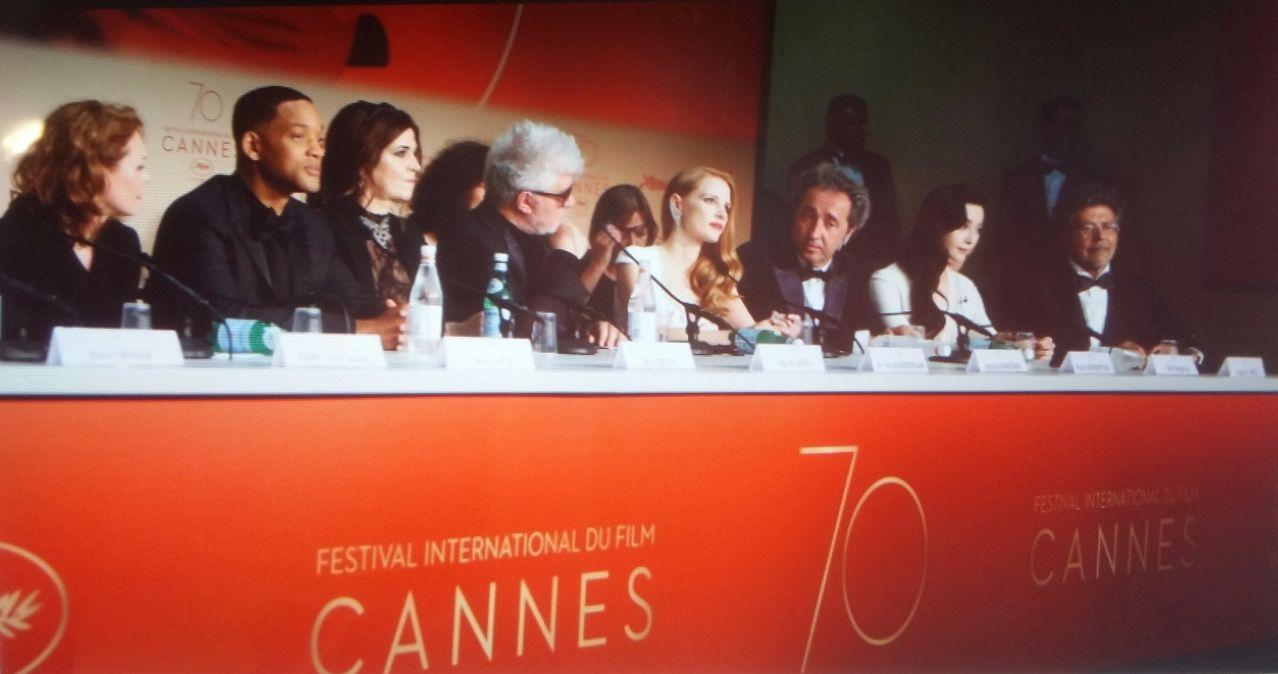 Kuvassa minä Elokuvissa, Seuraan, Katson Elokuvia ja käyn Elokuvissa sännöllisesti.   70th FESTIVAL DE CANNES 2017 Etelä Ranskassa, CANNESISSA, joka vuosi järjestettävä MAAILMAN TUNNETT…