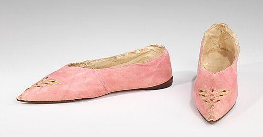 Metropolitan Museum: zapatos europeos de piel de 1795-1810 (Inventario: 2009.300.1467a, b)