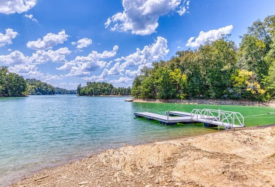 Douglas Lake Water Fun In 2020 Douglas Lake Smoky Mountains Vacation Lake Resort