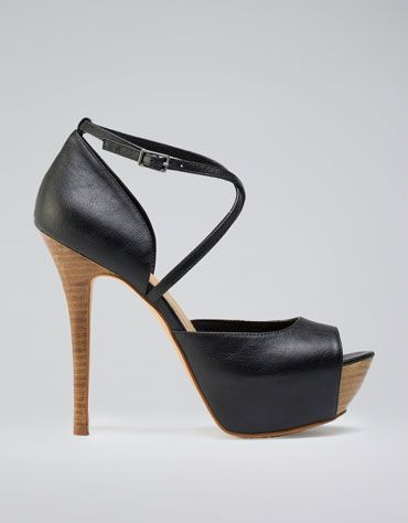 Bershka España - Peep Toe Bershka Cruzado// Trendy and comfortable