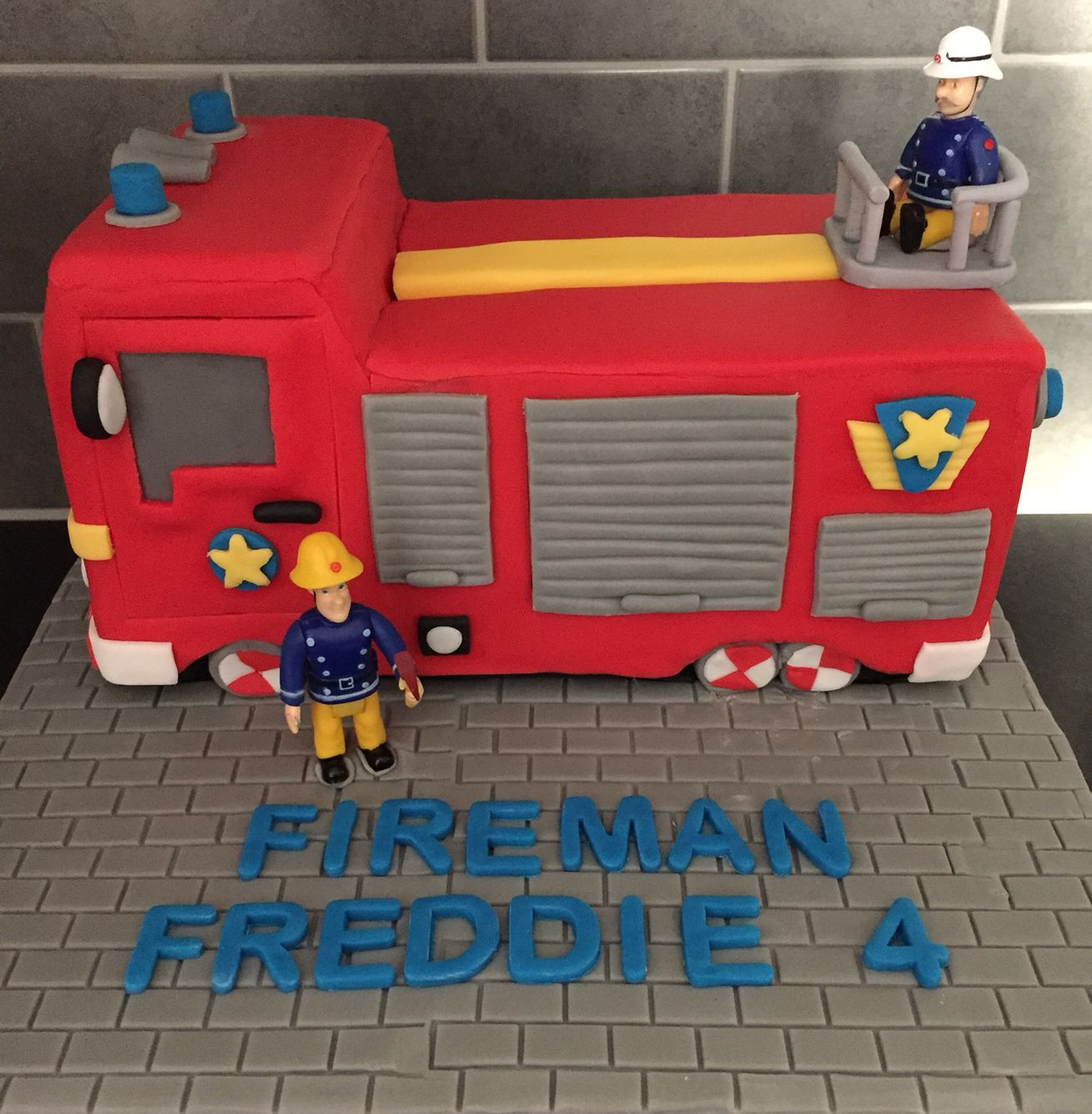 Fireman Sam Jupiter Fire Engine Cake Birthday Stuff Kuchen