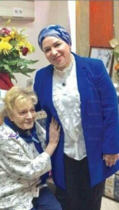 السيدة انتصار السيسي تزور الفنانة نادية لطفي للاطمئنان على حالتها الصحية