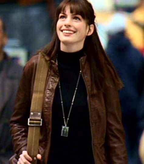 Anne Hathaway Wears The Jewelry To The Next Level: Anne Hathaway In The Devil Wears Prada