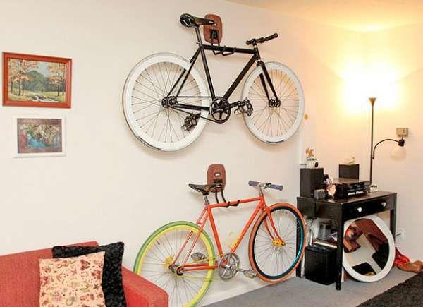 19 id es pour gagner de l 39 espace partout dans la maison rangement pinterest le v lo mur. Black Bedroom Furniture Sets. Home Design Ideas