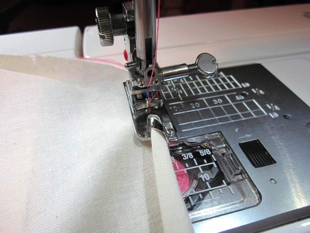 How To Make A Rolled Hem With Your Sewing Machine Sew40Home Mesmerizing How To Do A Rolled Hem On Sewing Machine