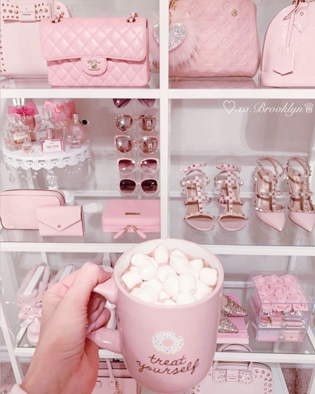 Pin By Its Yanna On Glitter In 2020 Baby Pink Aesthetic Pink Girly Things Pink Aesthetic