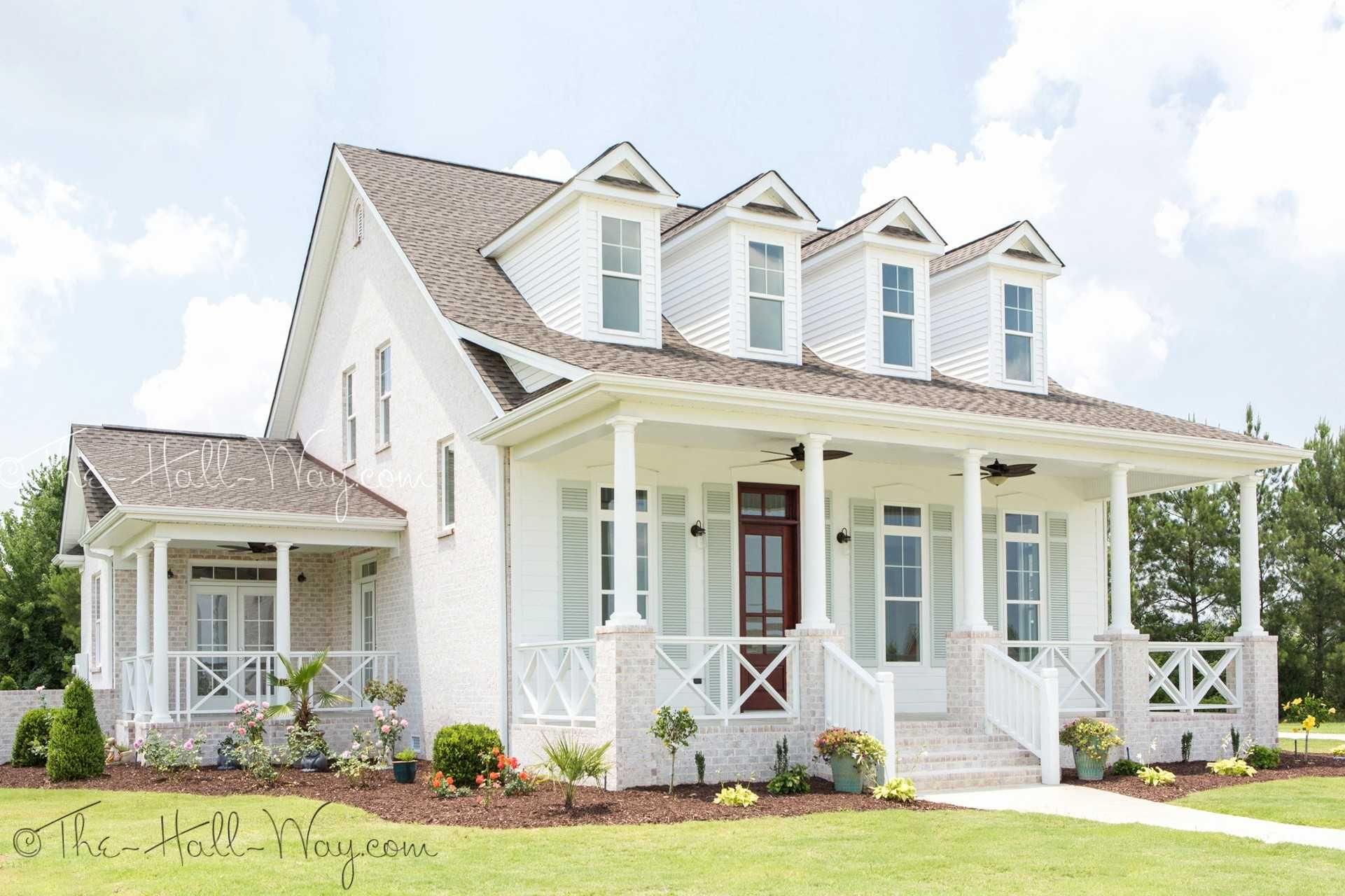 Beautiful Modern Farmhouse With Wrap Around Porch Porch House