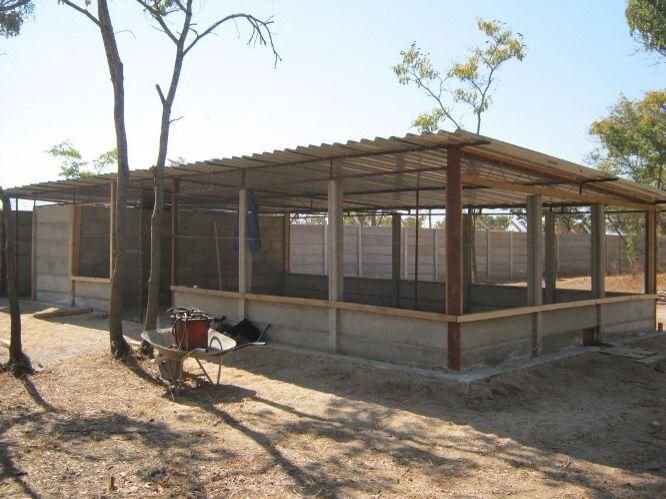We construct Durawall Chicken Runs to accommodate any amount of ...