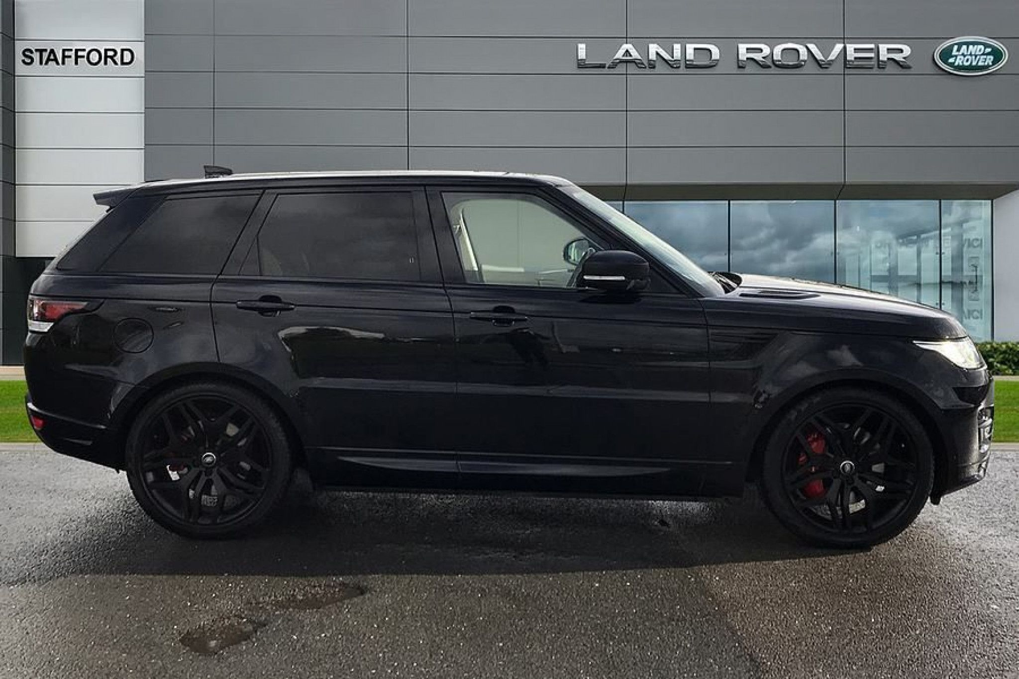 Land Rover Range Rover Sport 3 0 Sdv6 306 Autobiography Dynamic 5dr Auto For Sale Range Rover Sport Luxury Cars Range Rover Land Rover