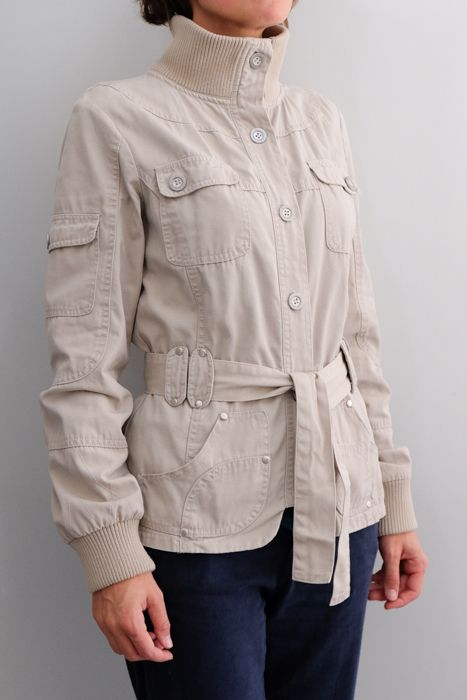 Veste Best Mountain T38 20€. beige avec ceinture à nouer. 100% coton. On  peut la porter col ouvert ou fermé. Elle est en excellent état, mais de  près on ... 2adc9a88d9d
