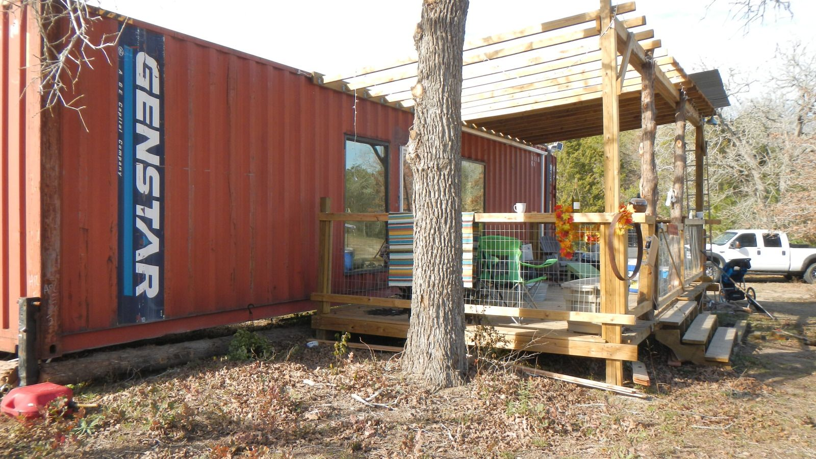 shipping container homes 40ft shipping container family home wendy bowman fords prarie. Black Bedroom Furniture Sets. Home Design Ideas