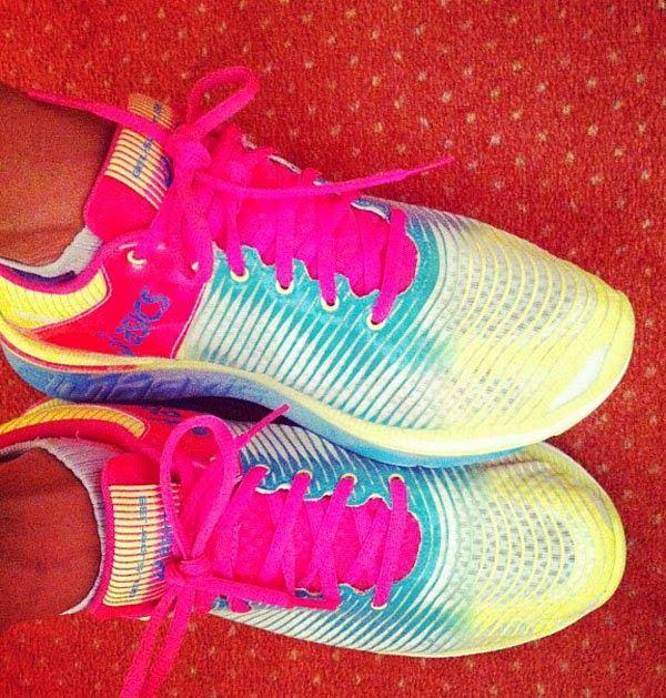confronta scarpe da corsa asics