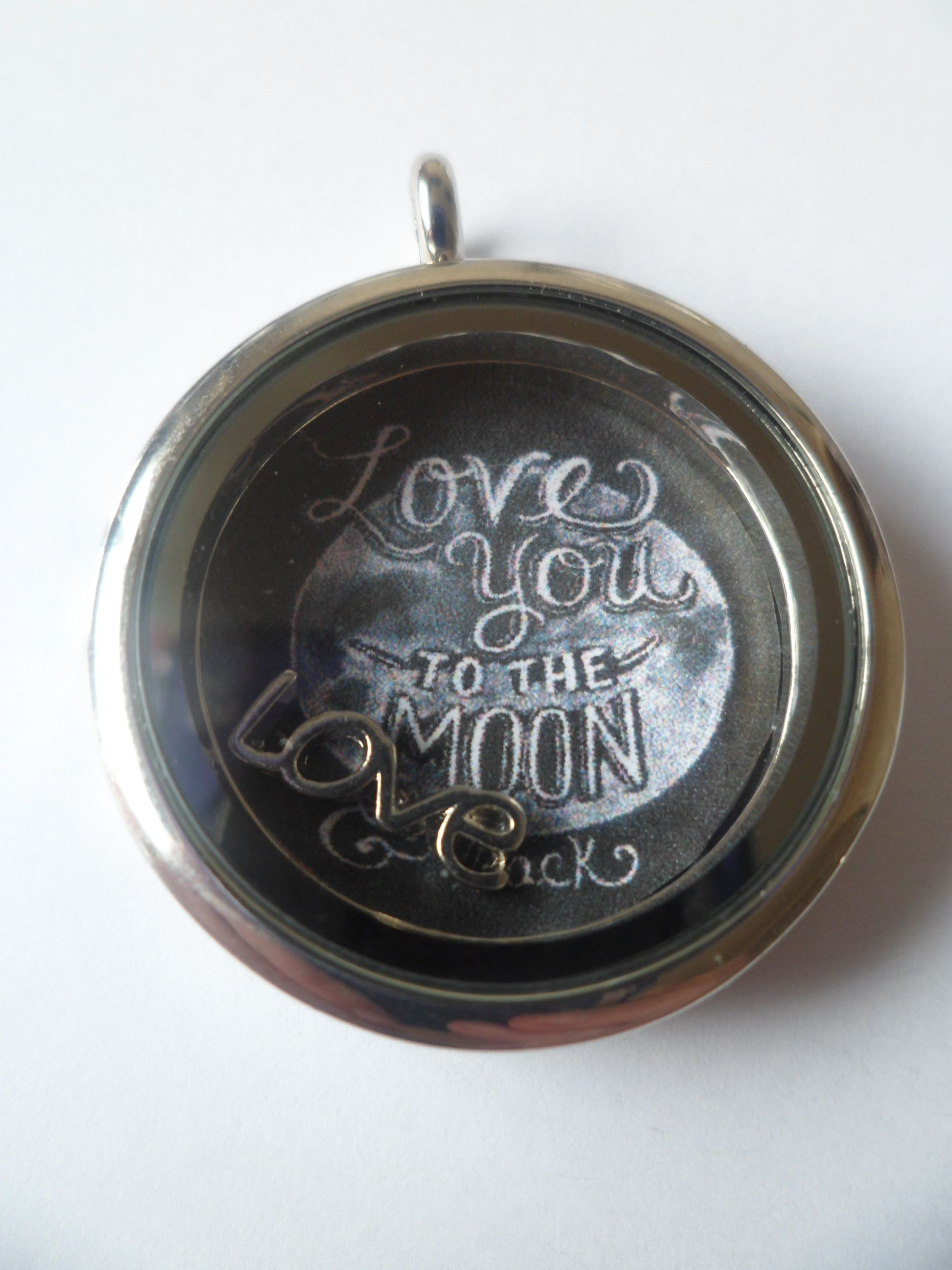 Love You To The Moon And Back Locket  #floatinglocket #LoveYouToTheMoonAndBack #Gift  www.facebook.com/locketsforyou123