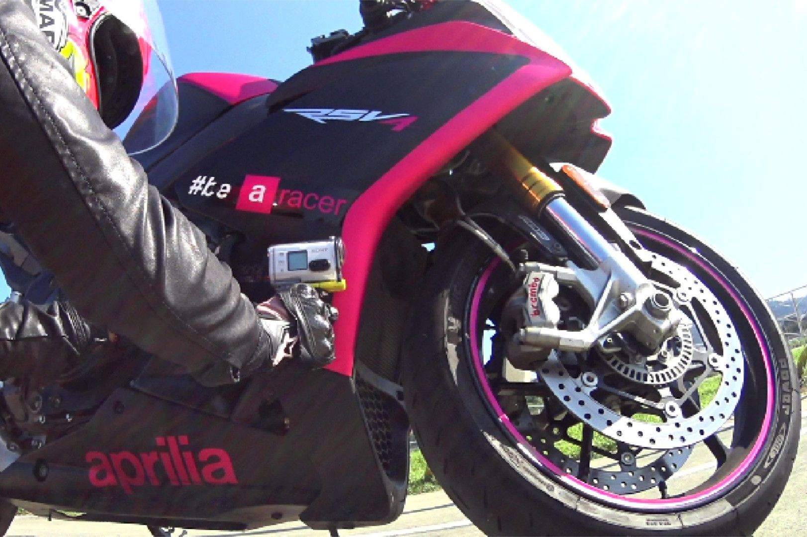 small resolution of aprilia rsv4 pink girl u0027s motorcycle life aprilia rsv mille aprilia rsv4 pink