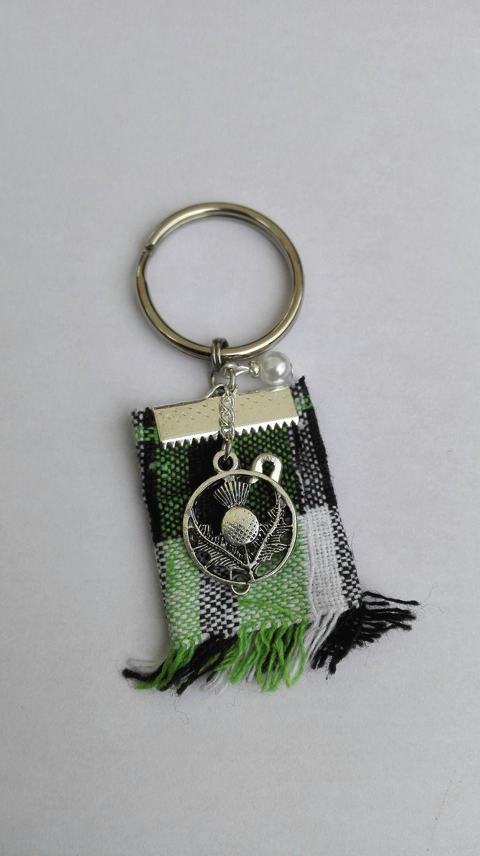 Porte clés Outlander chardon Ecosse kilt vert Irlande argenté féérique Jamie Claire Fraser : Porte clés par miss-perles