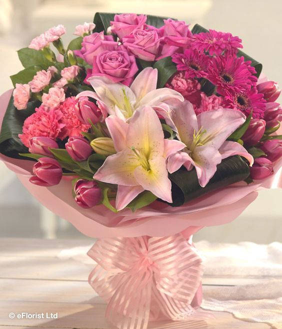 Send Flowers Cakes To A Loved One In Mumbai Today Shop Our Florist Delivered Flowers Perfect For Online Flower Delivery Mothers Day Flowers Flower Delivery