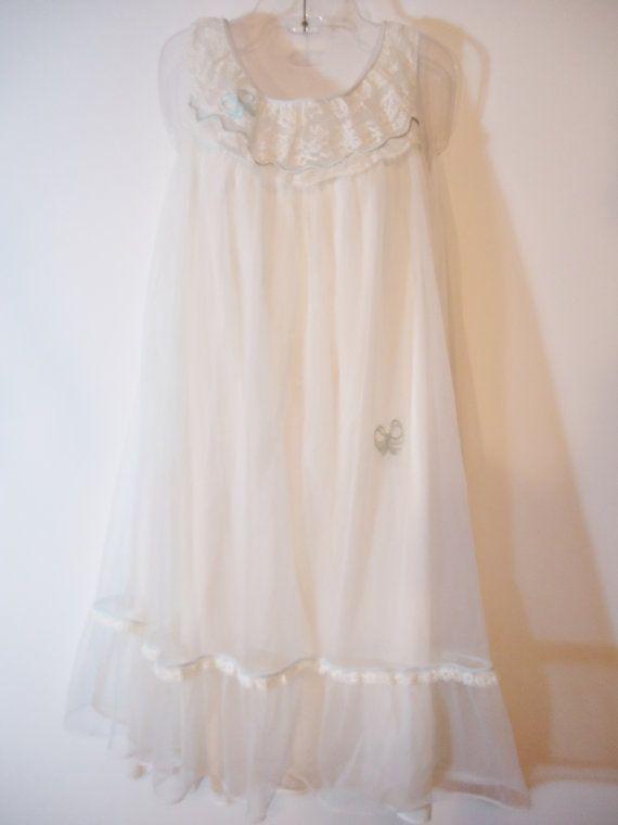 True Vintage 50s   60s Retro Nightgown White b889577ad