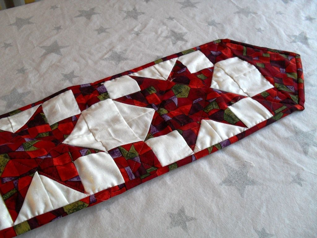 Star Christmas Table Runner Free Pattern