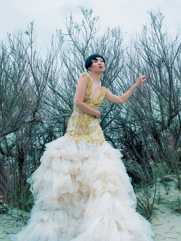 25 Alternative Wedding Dresses That Have The Wow Factor - Tulle Ruth ...