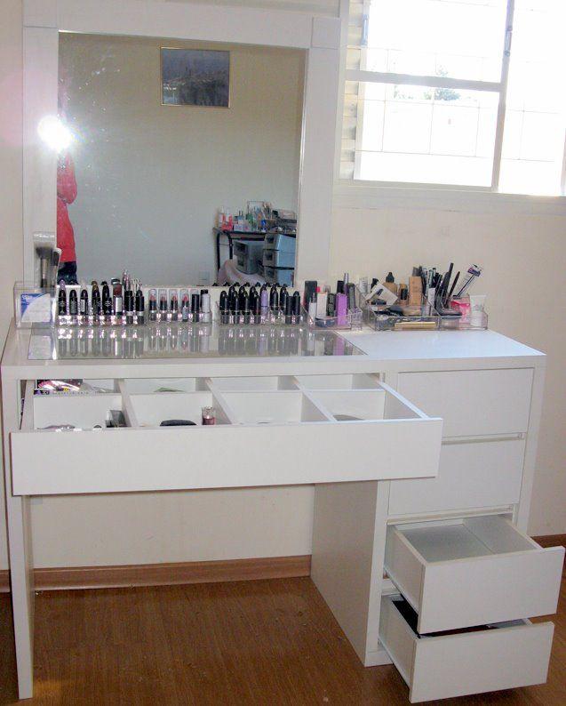 Katia  Muebles  Vanity room Makeup Desk y Makeup