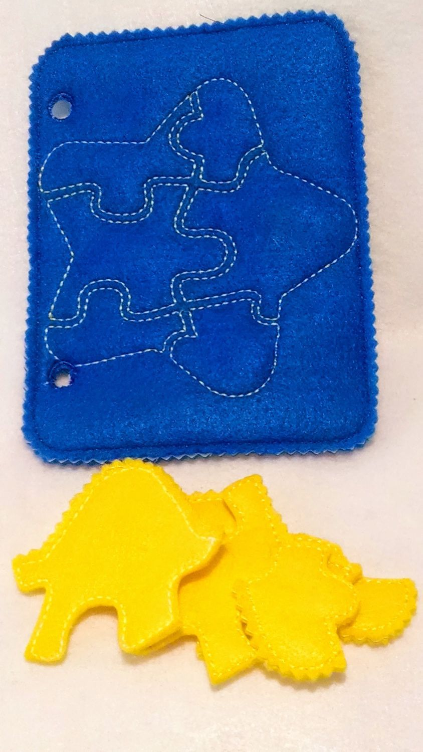 Yellow star quiet book puzzle with felt template QB45