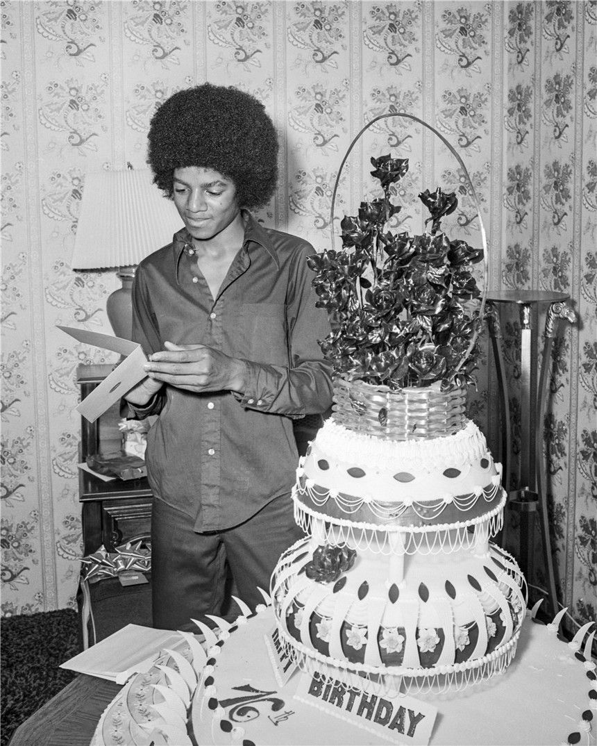 Michael Jackson Celebrates 16th Birthday In Las Vegas09