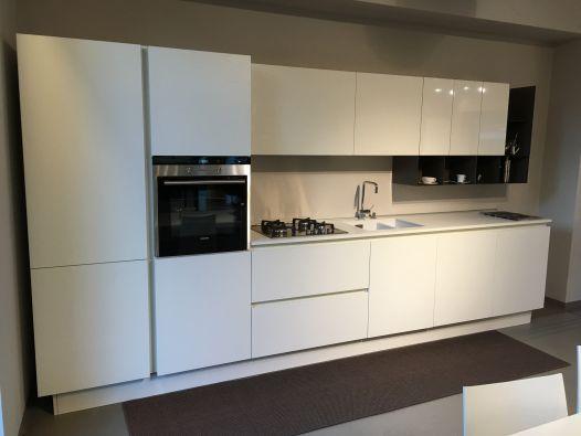 Descrizione: Cucina Lineare con Gola Alluminio modello Filo Escape ...