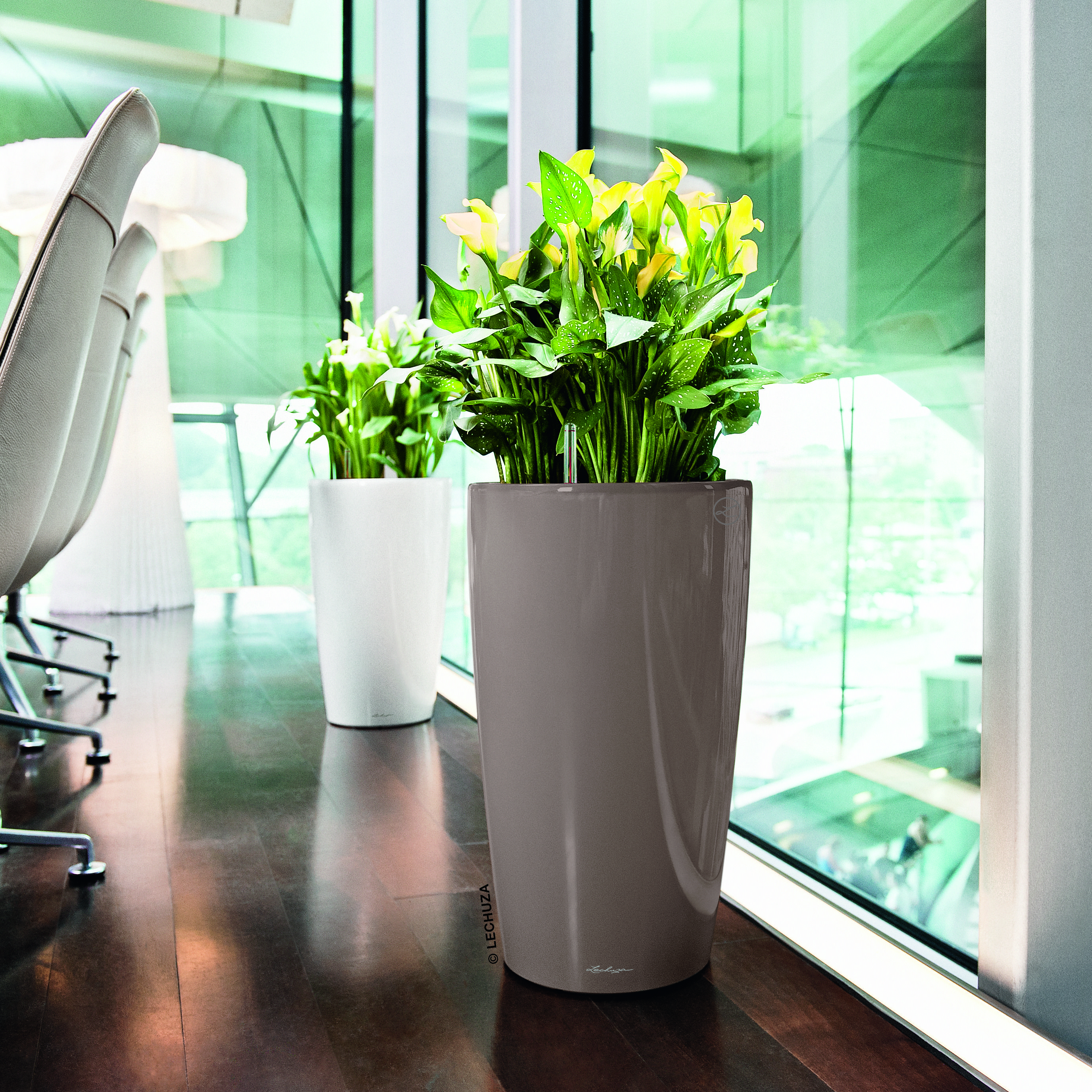 Lechuza Rondo Supplied By Koberg Planters Steel Planters Plastic Planter Boxes