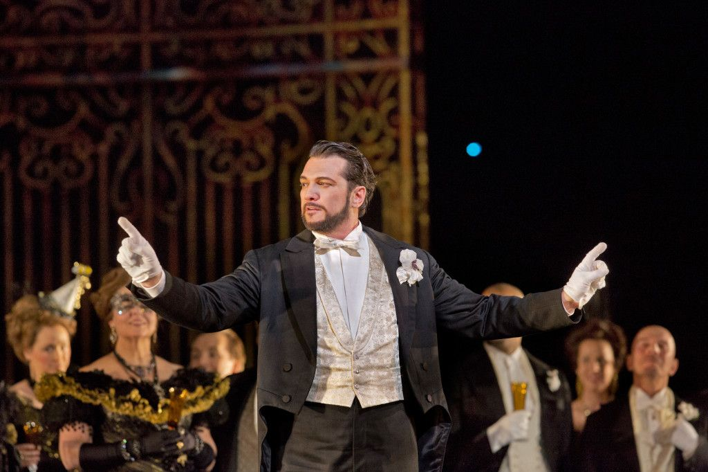 The Secret Remedies Opera Singers Use to Avoid Getting a Cold