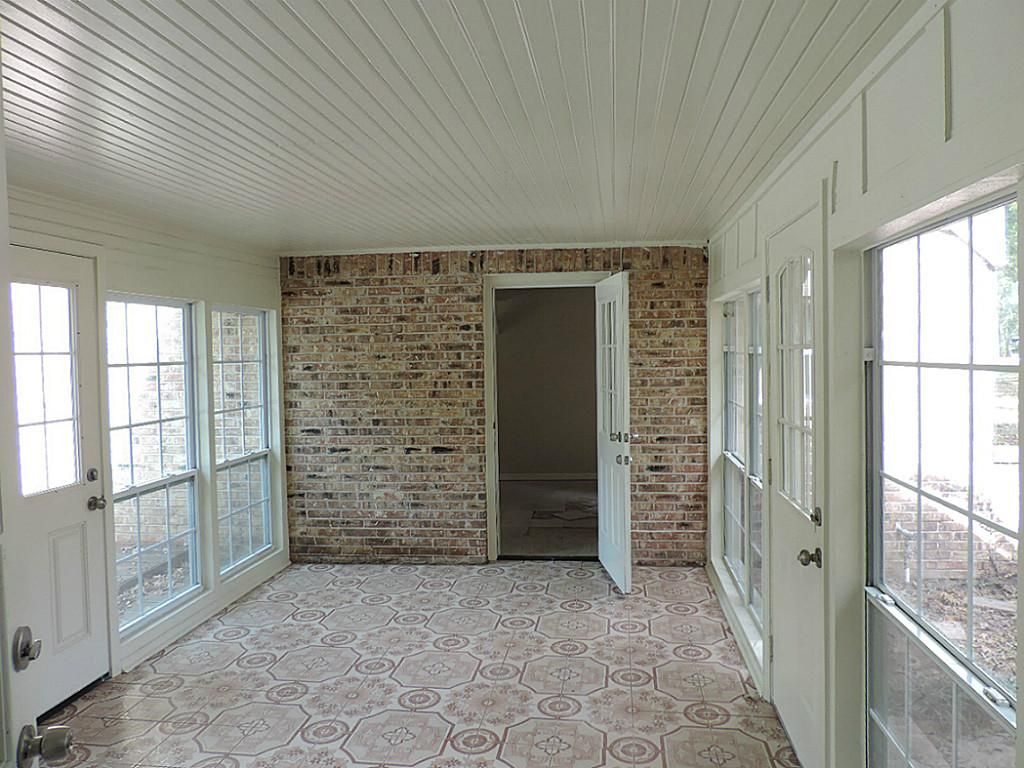 House with 3 car garage with enclosed breezeway 264 for Breezeway house