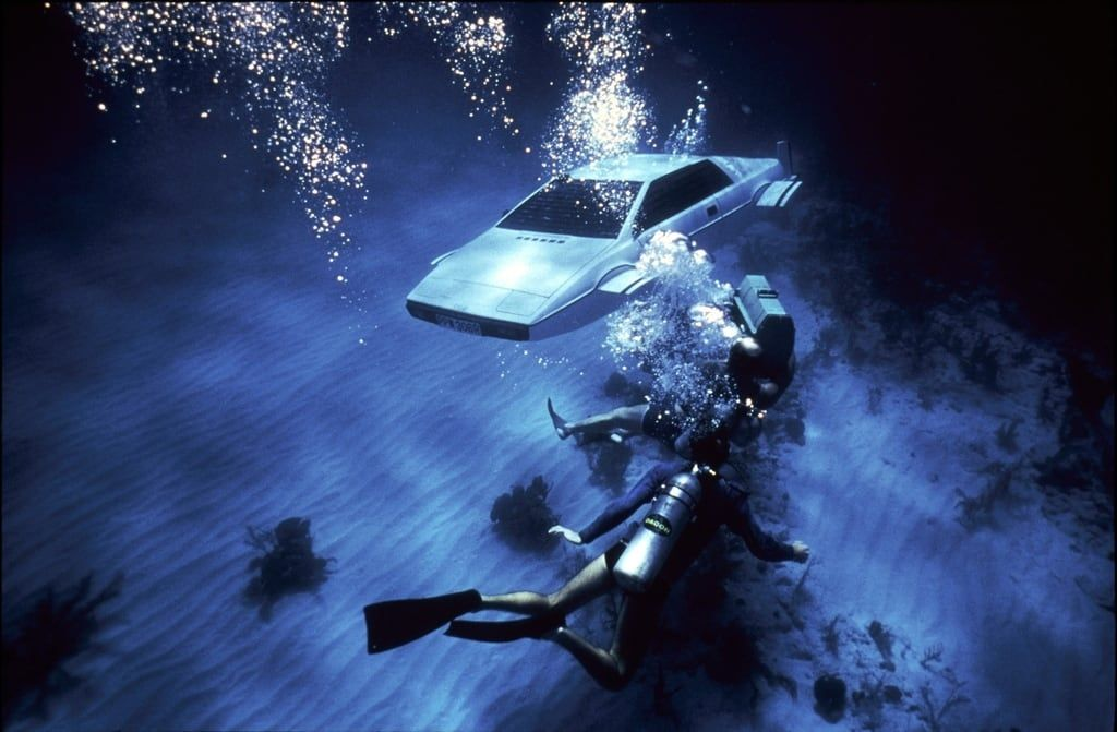 12 Of The Most Badass Movie Vehicles Of All Time Lotus Esprit