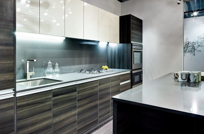 Best I Like The High Gloss Wood Grain Laminate Kitchen 640 x 480