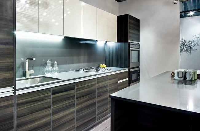 I Like The High Gloss Wood Grain Laminate Kitchen Cabinets