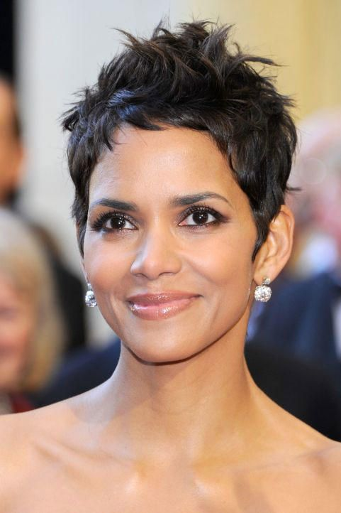 Halle Berry Short Curly Hair : halle, berry, short, curly, Pixies