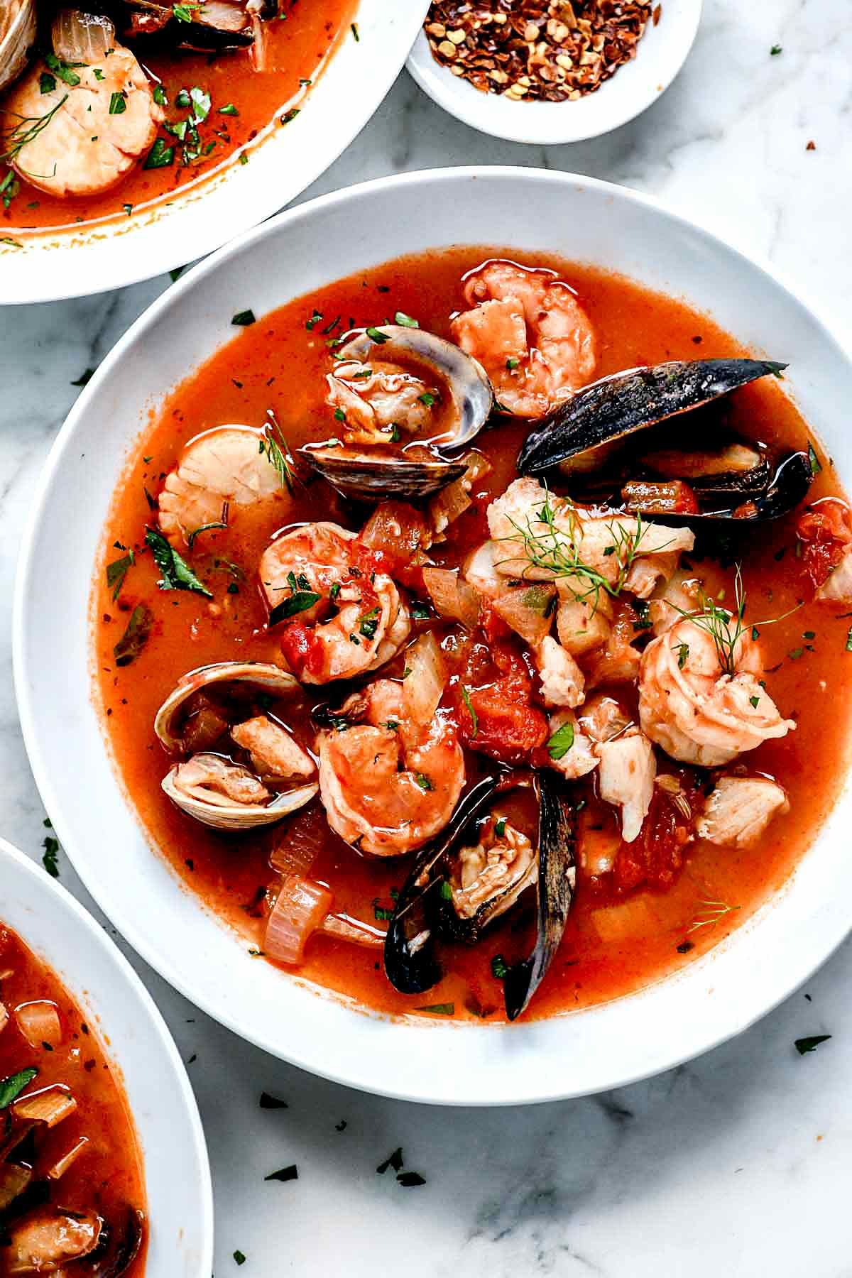 This Authentic Cioppino Recipe From The Barefoot Contessa Is Loaded Seafood And Shellfish For A Hea Seafood Dinner Recipes Cioppino Recipe Easy Cioppino Recipe