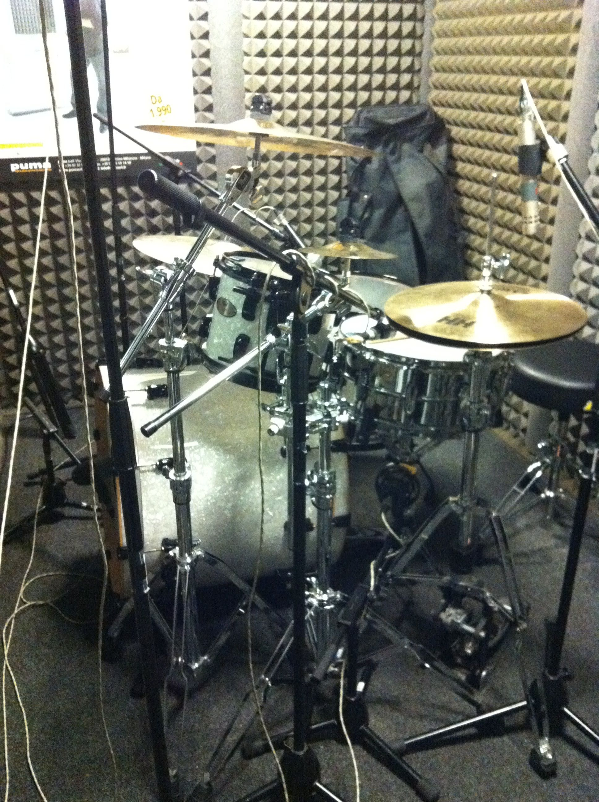 Old Drum Set