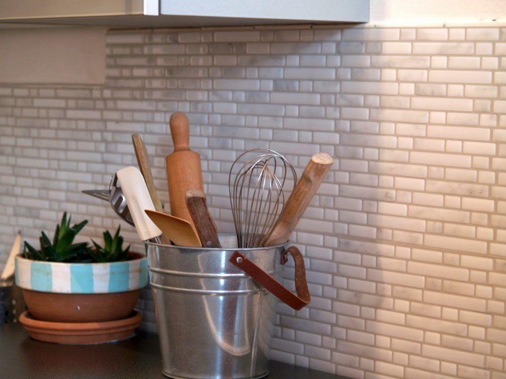 Rinnovare Le Piastrelle Della Cucina rinnovare casa con le piastrelle adesive senza demolire! 15