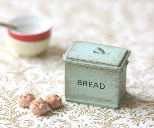 Beautiful Miniature Dollhouse Accessories Shabby Chic Style #miniaturedollhouse
