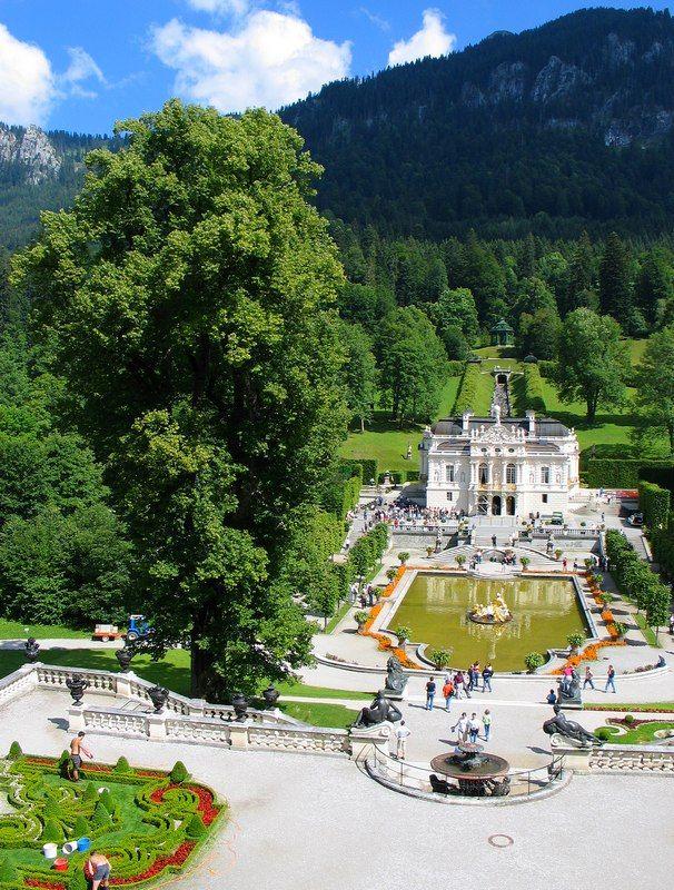 Linderhof Park Castle Linderhof Bayern Http Www Bayern By Bayern Sommer Das Original Beautiful Places To Visit Castle Castle Bavaria