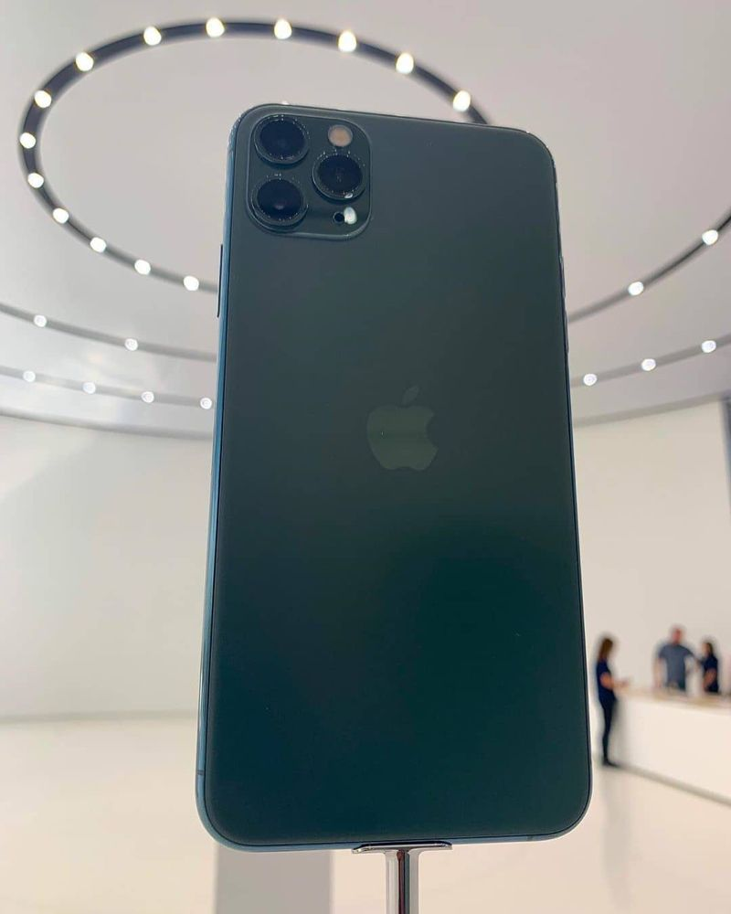 Samgalaxy Beta On Instagram I M All About This Midnight Green Iphone 11 Pro Iphone Iphone 11 Apple Phone Home screen midnight green iphone 11