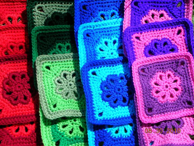 Flower Granny Square ~ free pattern