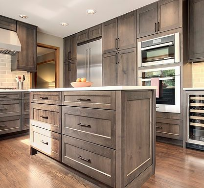 Steven Ray Construction Inc Specializes In Custom Kitchen Remodel Services In Issaquah Stained Kitchen Cabinets Custom Kitchen Remodel Taupe Kitchen Cabinets
