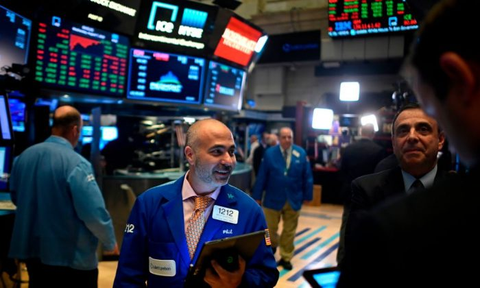 Trade War and the Fed Threaten Trump's Buoyant Stock