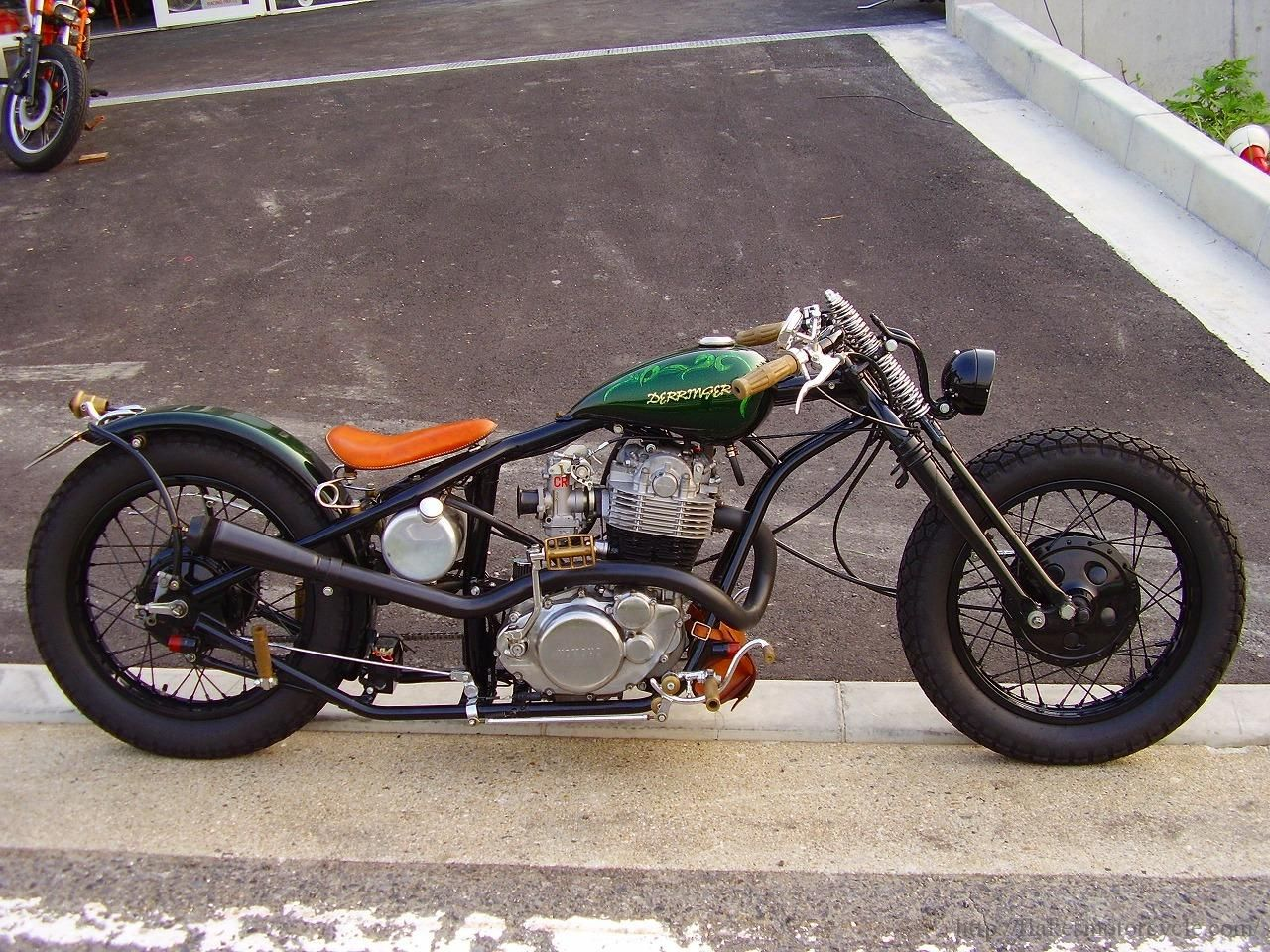 This Customized Yamaha SR400 Has Style to Spare - Airows
